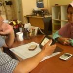 Dina, Owner Butik Menyusui Melakukan Konsultasi, Program Mentoring Personal Binaan
