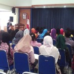 Meriza Hendri Memberikan Sambutan dihadapan Peserta Workshop What Your Talent