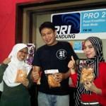 Pengusaha Binaan GIMB Yulia & Neni di Radio Pro 2 FM