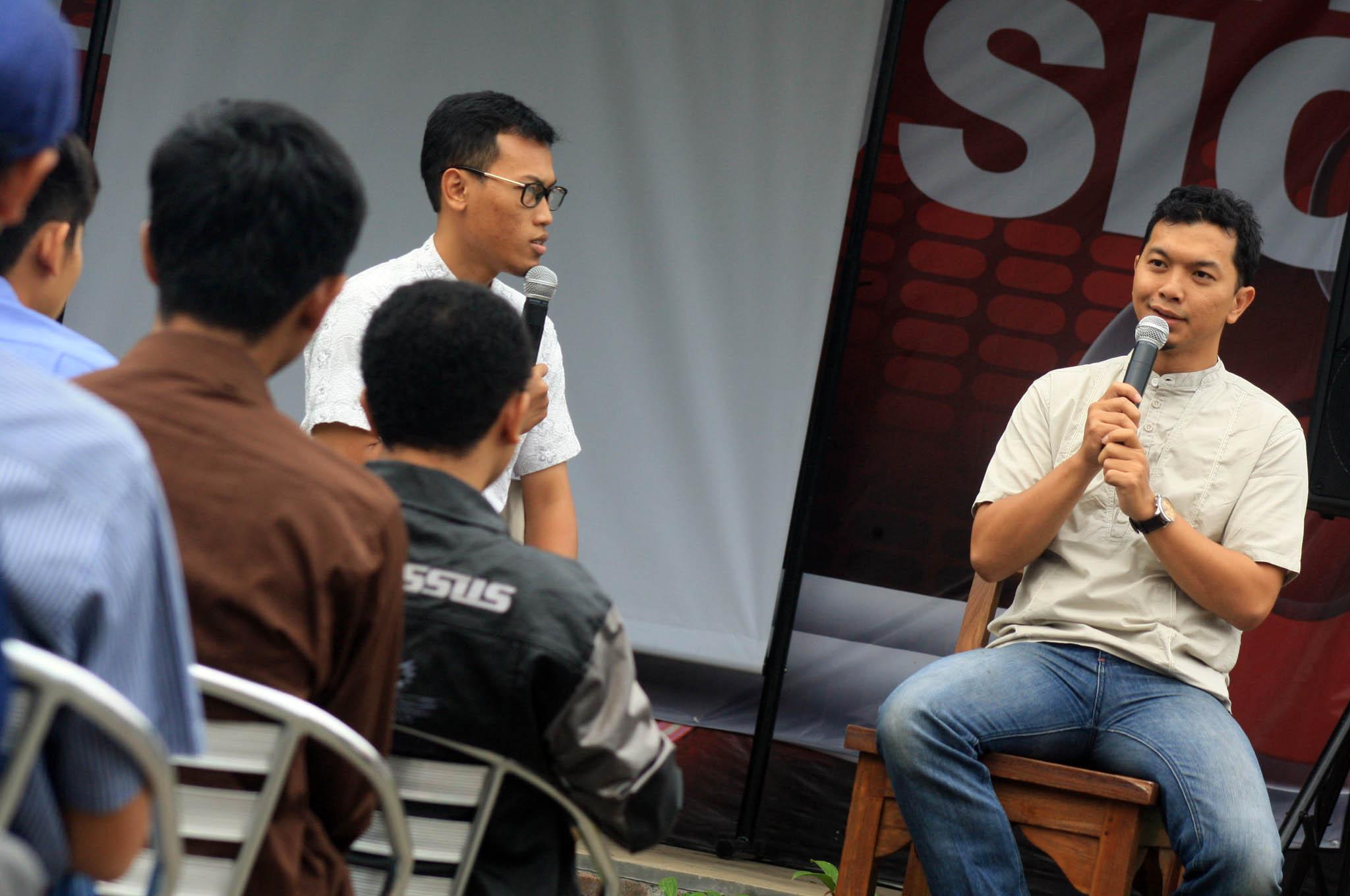 20130722_TAUFIK JOB UIN_BDG_Talk Show Attitude Enterpreneur Tangguh_01